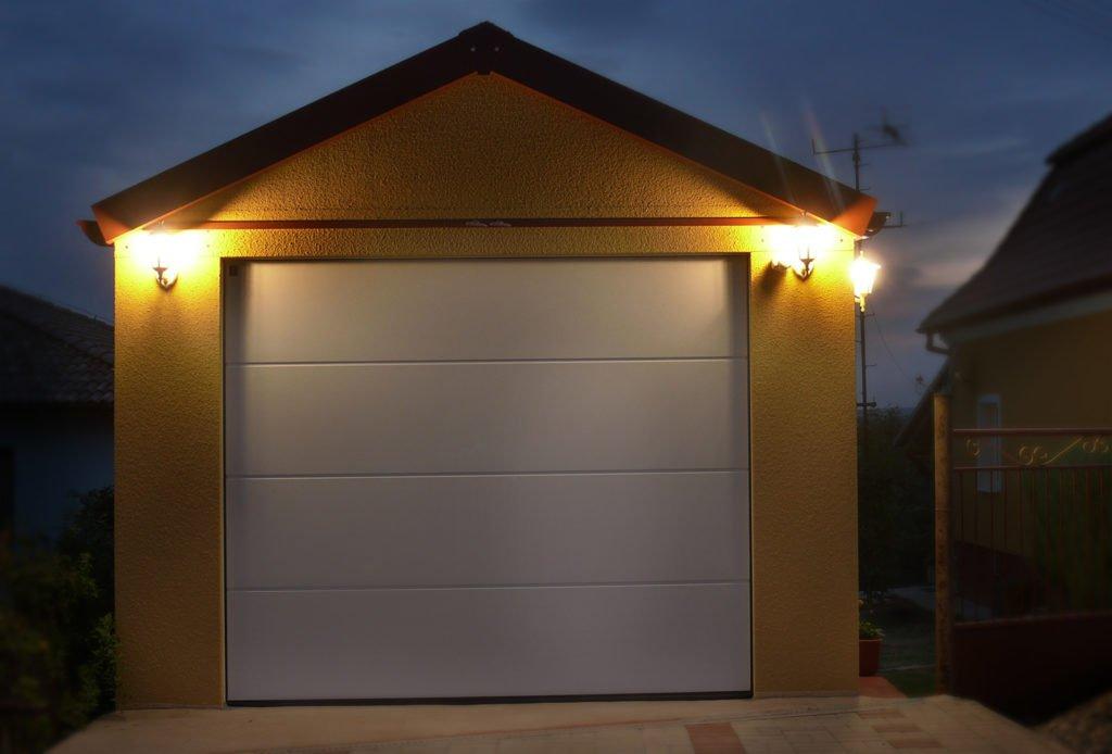 referencie montovaná garáž so sedlovou strechou Kolta
