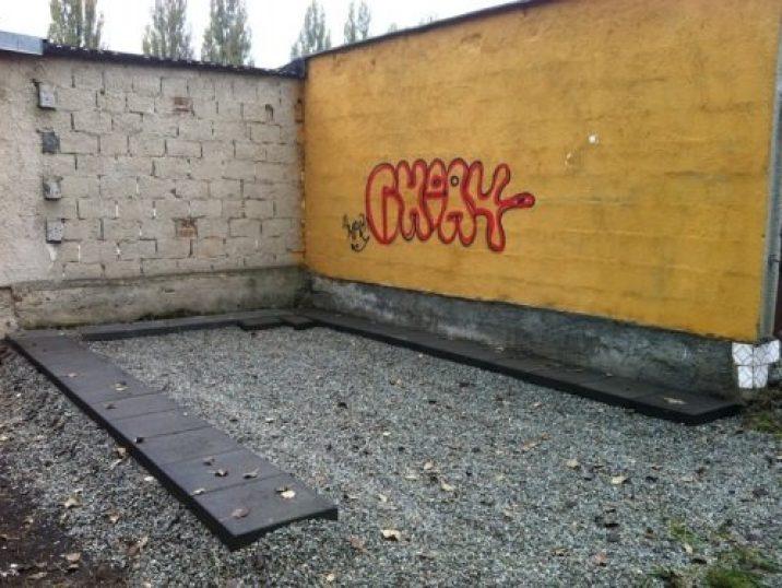 Betónové kocky pod garáž
