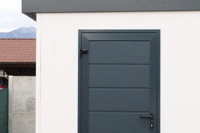 Izolované dvere Hormann LPU 40 v antracitovej farbe