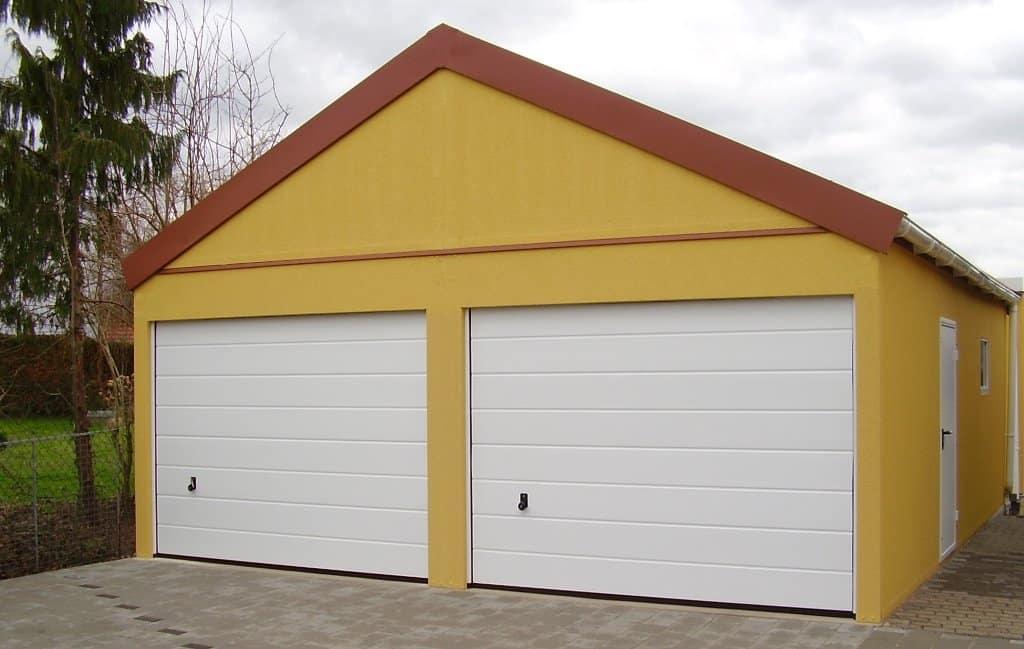 Žltá montovaná garáž pre dve autá