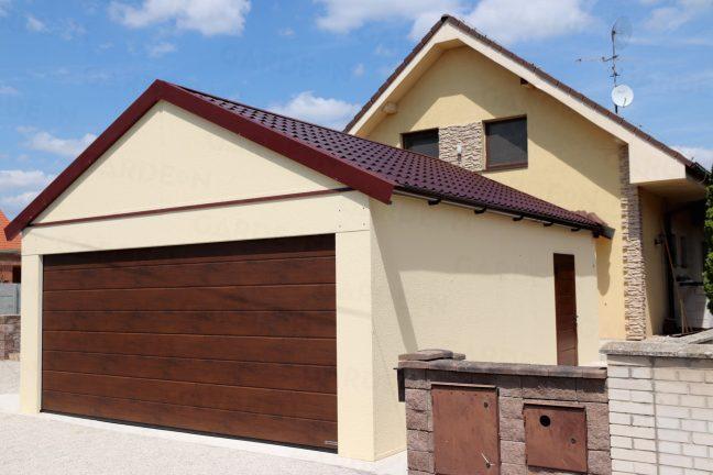 Montovaná garáž pre dve autá so sedlovou strechou
