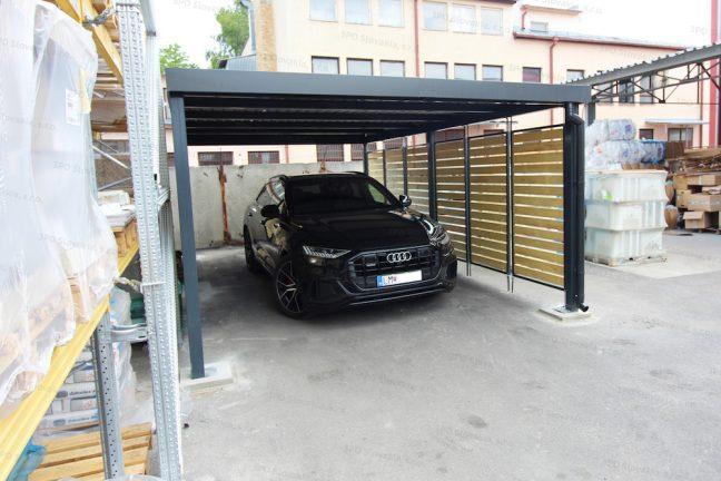 Zaparkované Audi v prístrešku pre jedno auto GARDEON