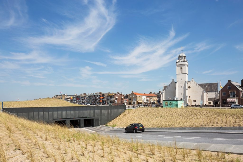 08-underground-parking-katwijk-aan-zee_south-entrance-cars