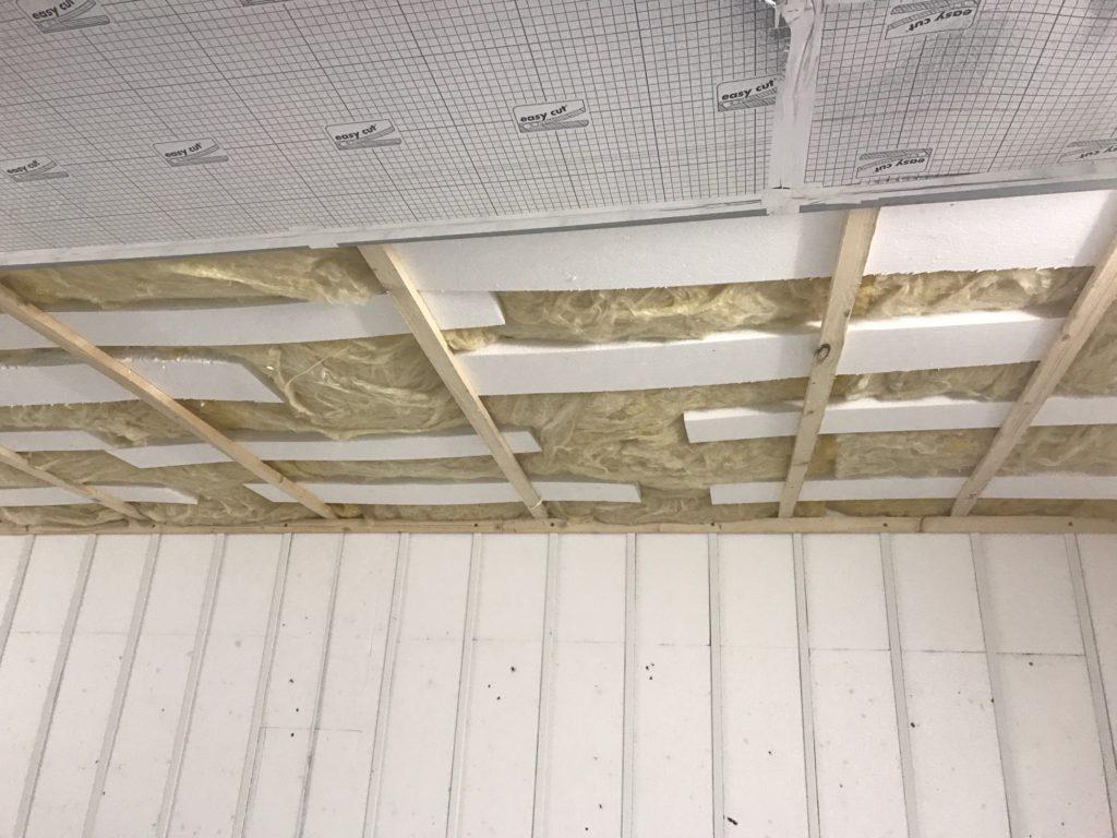 Izolácia strechy montovanej garáže