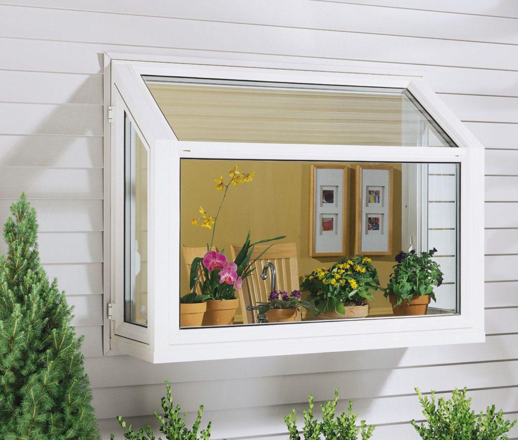 Okno na záhradnom domčeku