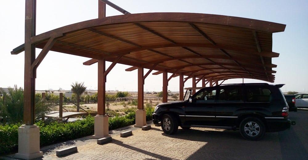 Drevený prístrešok pre autá