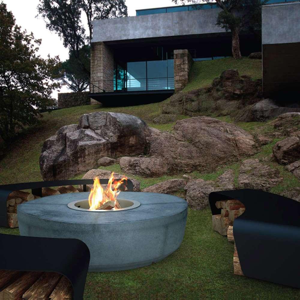 Moderné ohnisko na záhrade