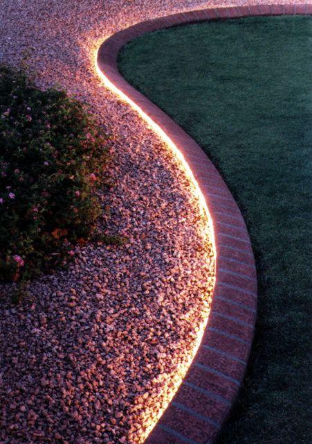 LED pásik na chodník do záhrady