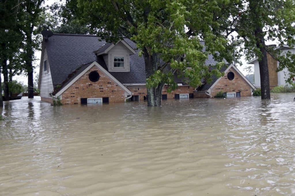 DOm pod vodou po potope