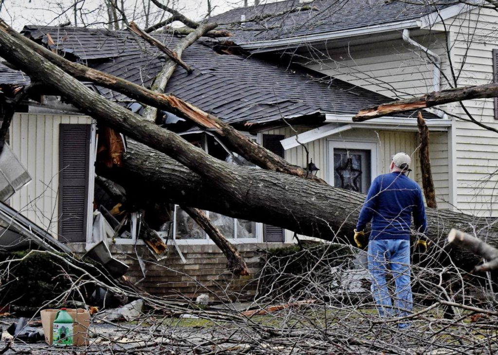 Strom zničil dom po búrke