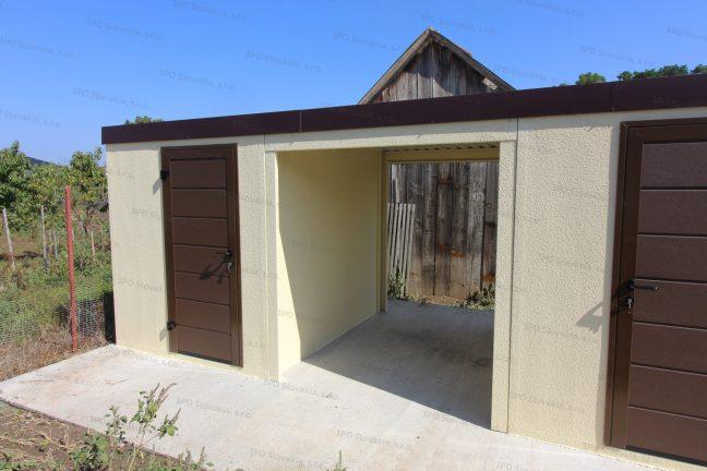 Záhradný domček v atypickom tvare v pieskovej omietke