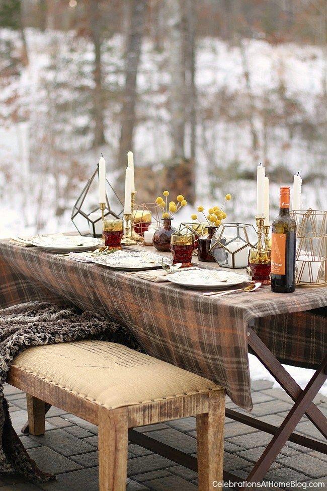 Stôl s občerstvením v záhrade