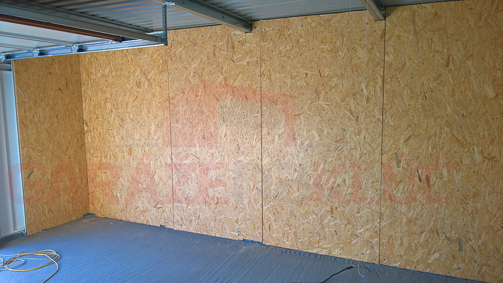 Zateplenie stien montovanej garáže pomocou OSB dosiek