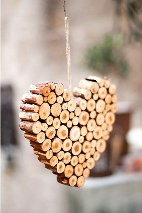 Srdce z kúskov dreva