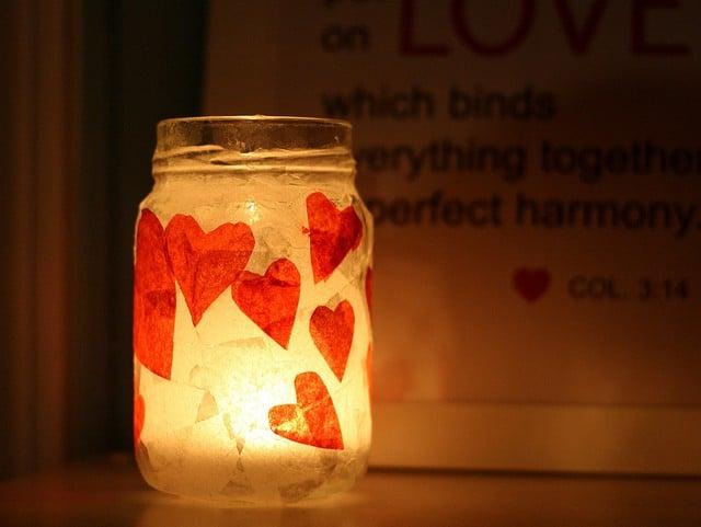 Sviečka v nádobe