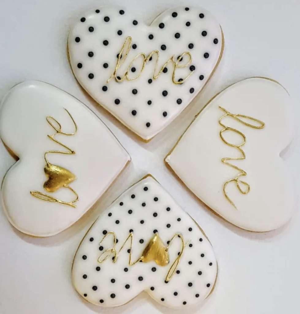 Bielo-zlaté valentínske pečivo