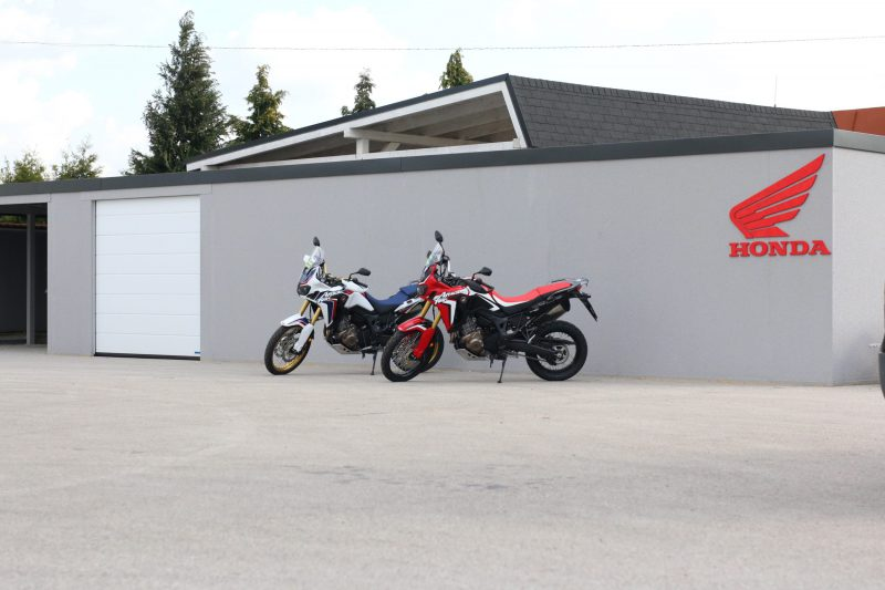 Montovaná predajňa HONDA v Nitre