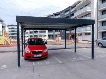 Prístrešok GARDEON pre dve autá pri modernej bytovke