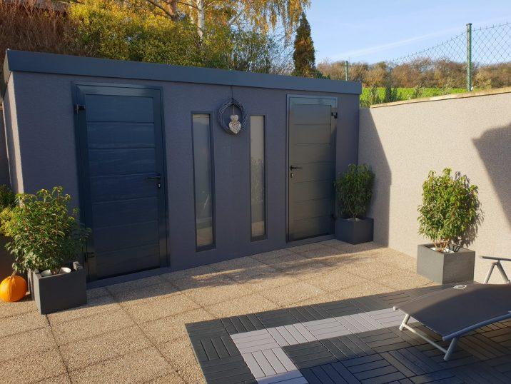 Dvojitý záhradný domček GARDEON v tmavo-sivej omietke