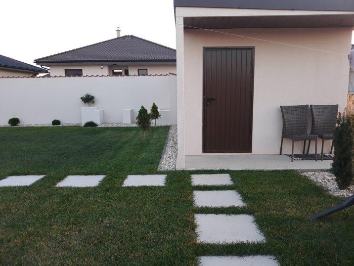 Záhradný domček GARDEON s hnedými dverami