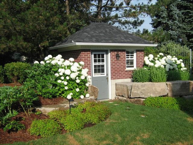 Tehlový záhradný domček