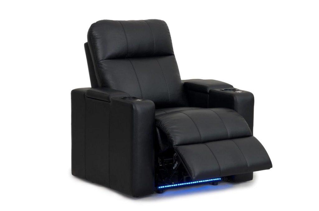 Kožená sedačka v čiernej farbe