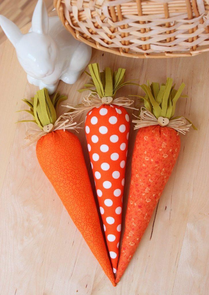 Umelé oranžové plnené mrkvy