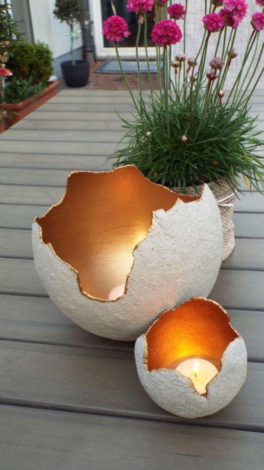 Veľkonočné vajíčka so sviečkami