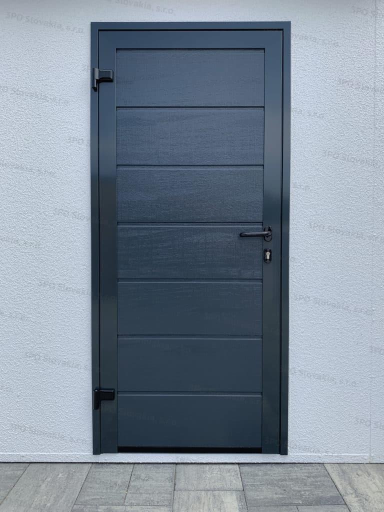 Dvere Hormann LPU42 v antracitovej farbe