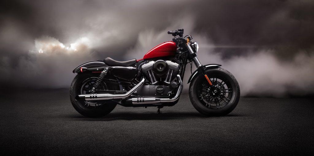 Čierno červená motorka