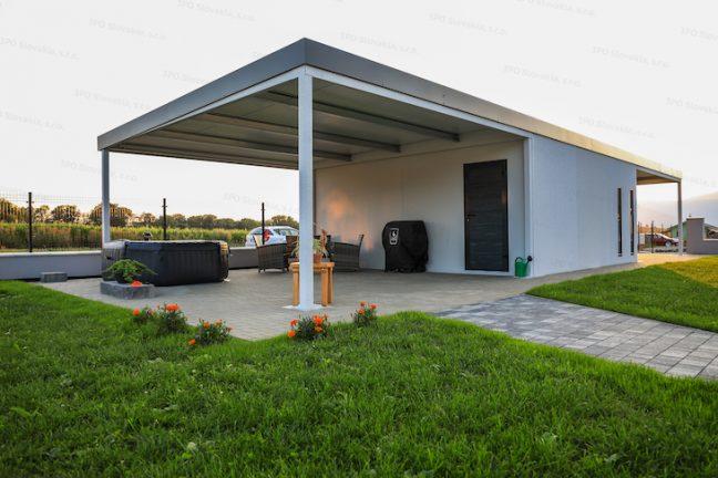 Montovaná garáž GARDEON s prístreškom na zadnej strane na posedenie