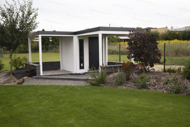 Atypický záhradný domček GARDEON s prístreškom na prednej a ľavej strane