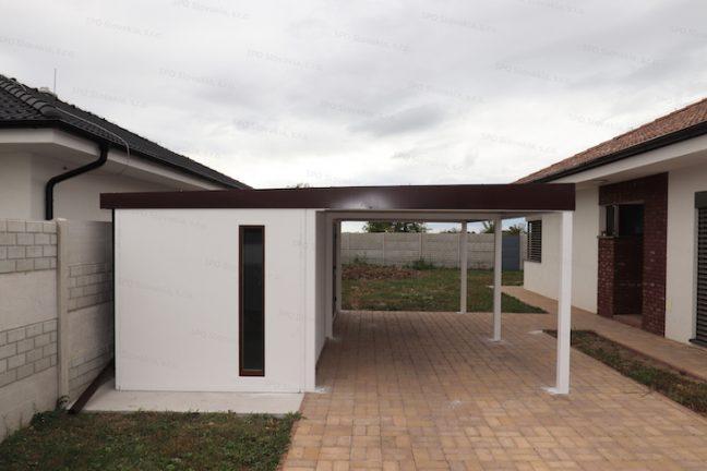 Montovaný záhradný domček GARDEON s prístreškom pre jedno auto