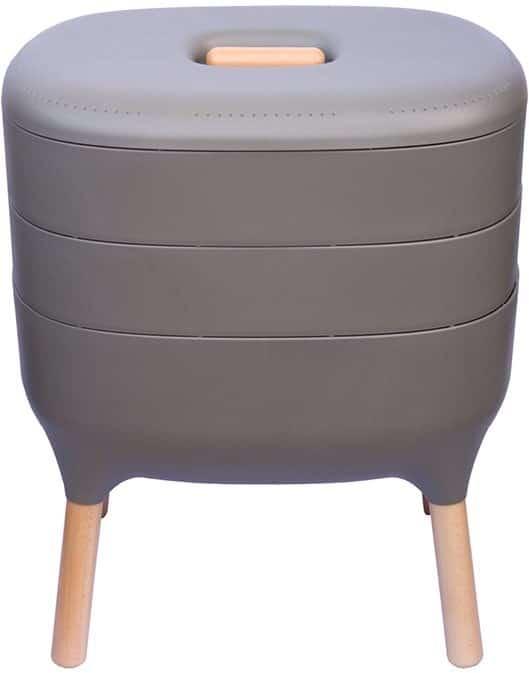 Domáci kompostér v sivej farbe