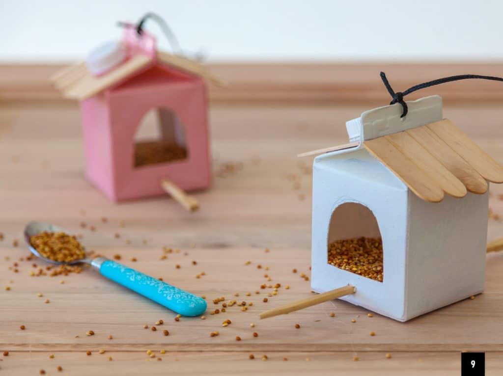 Umeleé domčeky s kŕmidlom