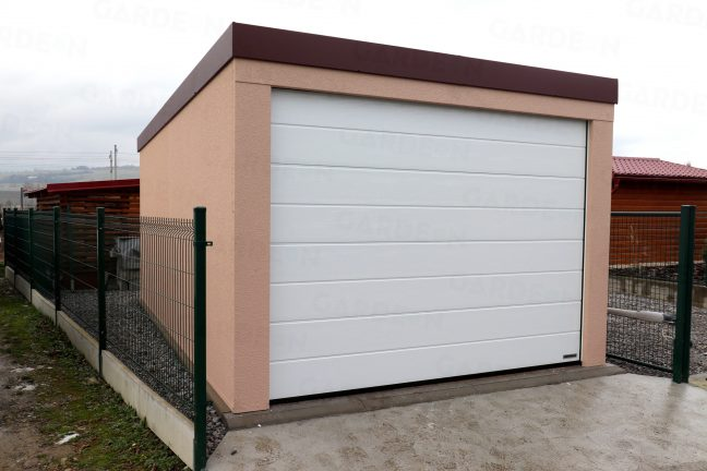Garáž pre jedno auto s hnedou strechou