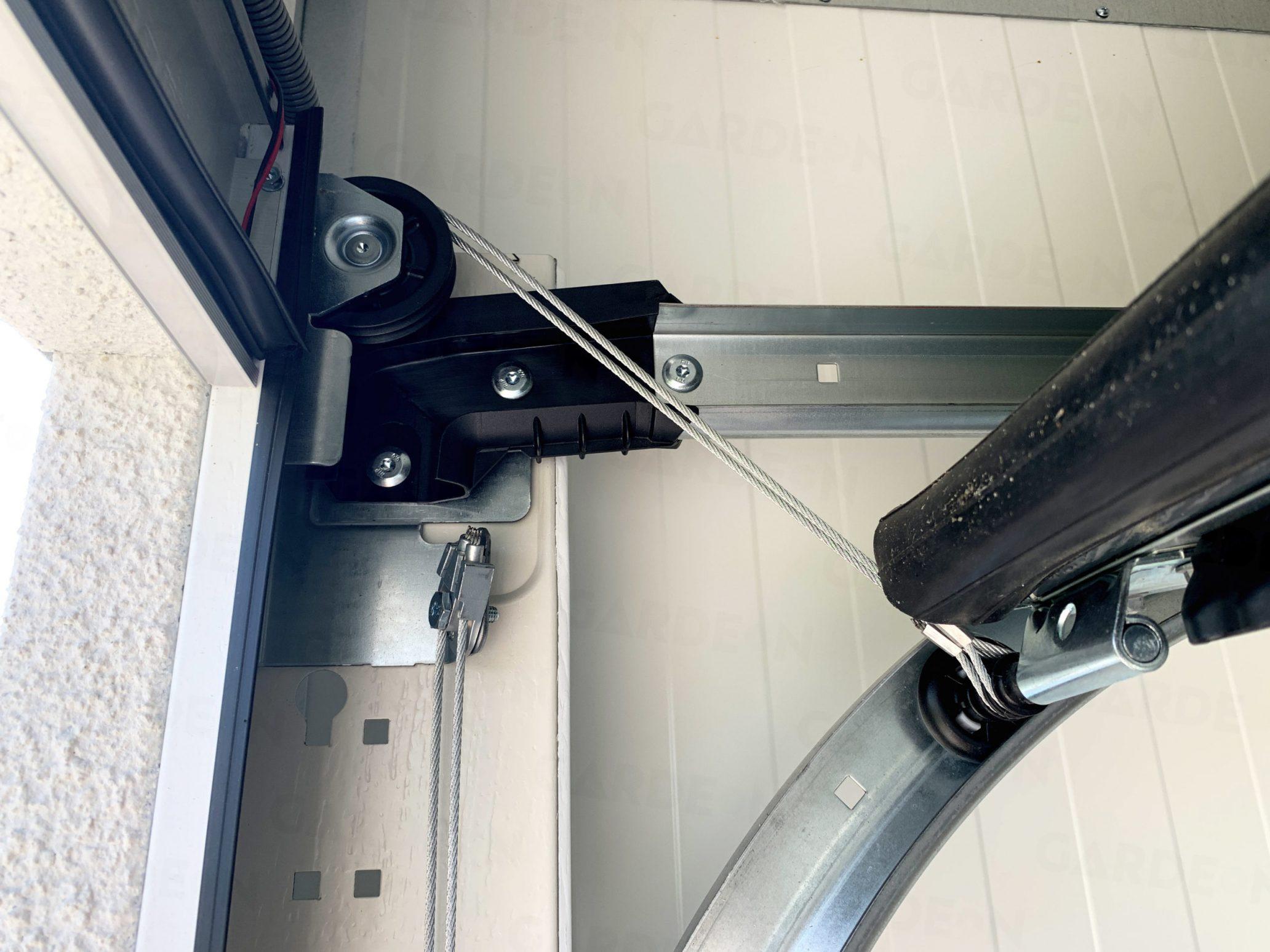 Lanko na garážovej bráne Hormann