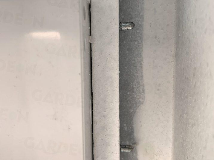 Kotvenie vypínača v garáži