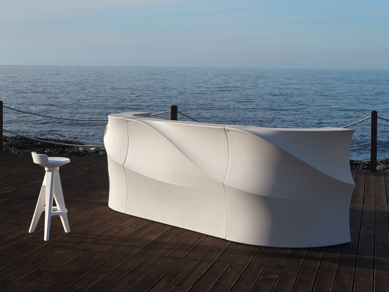 Barový pult pri mori