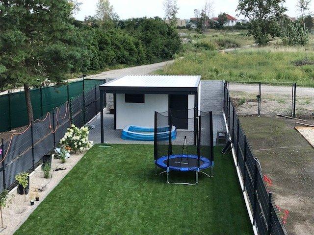 Záhradný domček s bazénikom pre dieťa