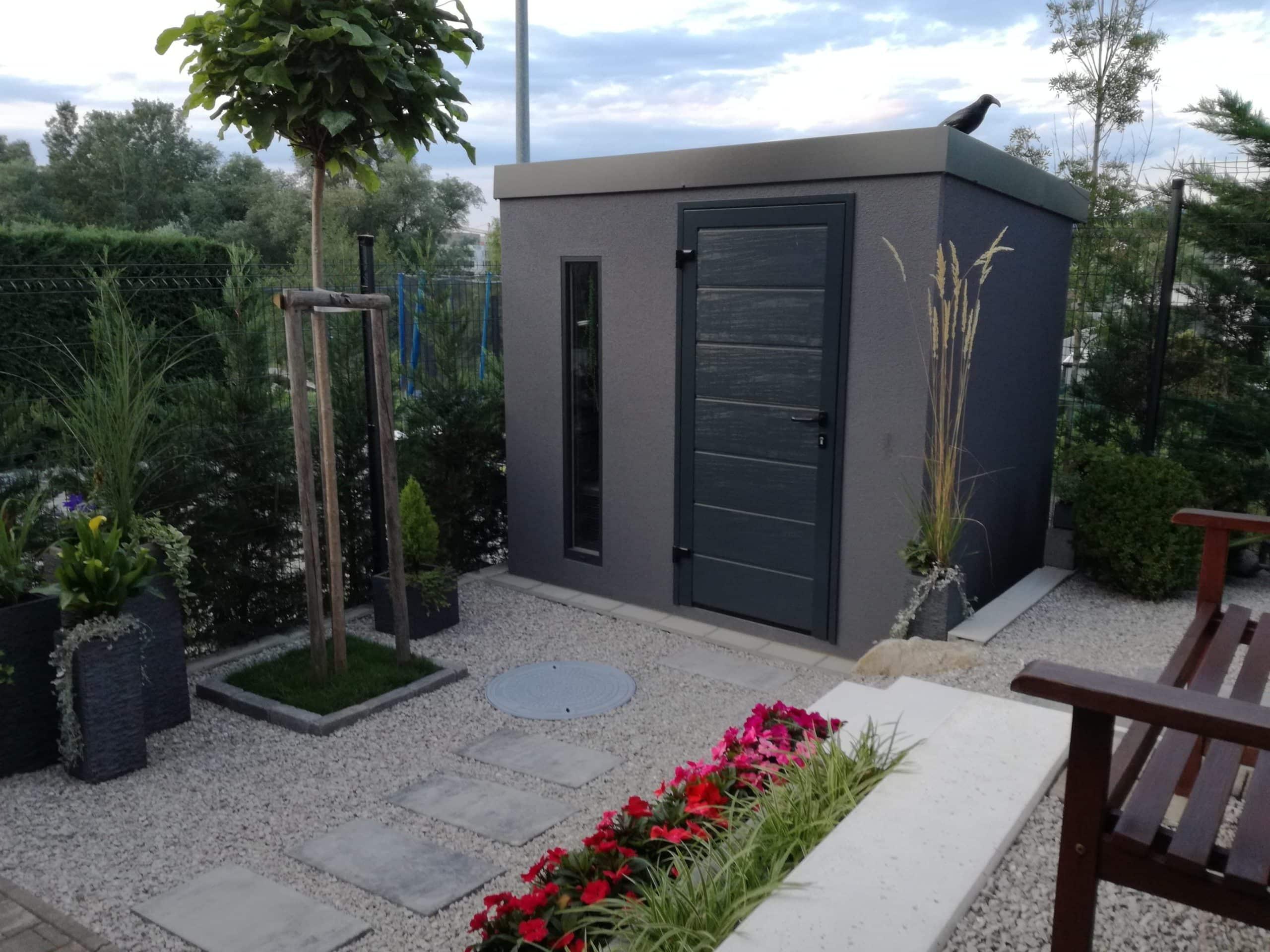 Tmavo sivý záhradný domček GARDEON