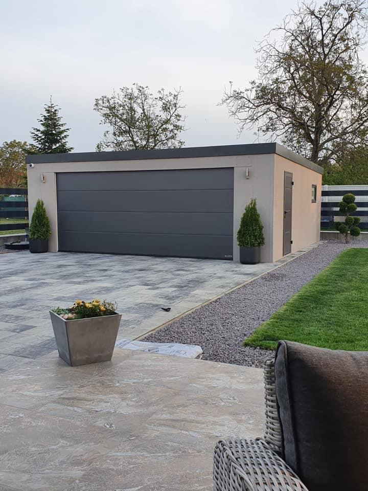 Sivá garáž pre dve autá