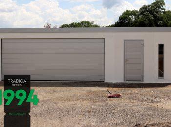 Atypická garáž bielej farby