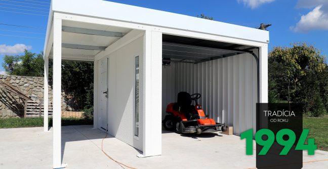 Kosačka v garáži pre jedno auto