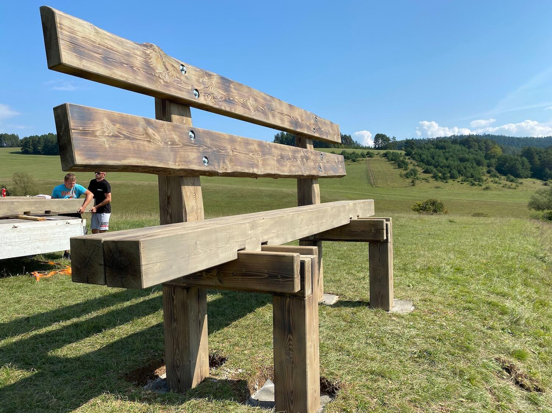 Hotový rám lavičky
