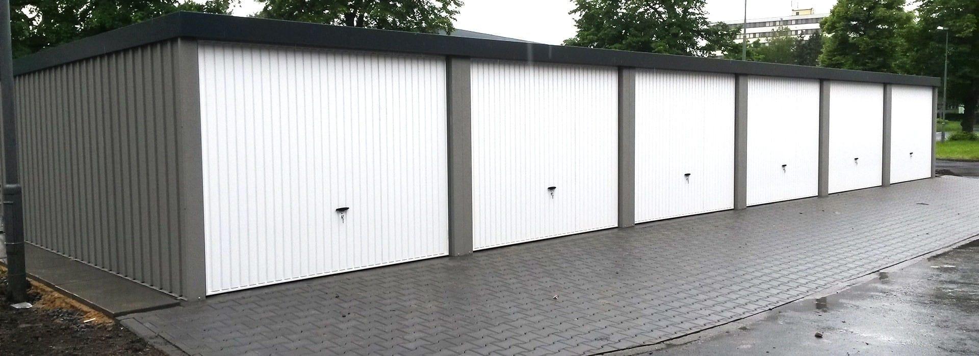 Plechové garáže s omietkou