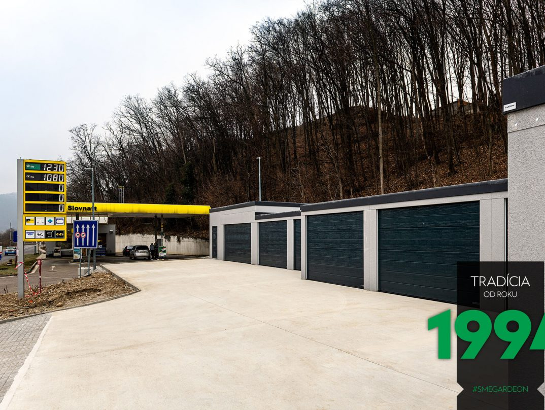 Radová montovaná garáž v Turčianských Tepliciach