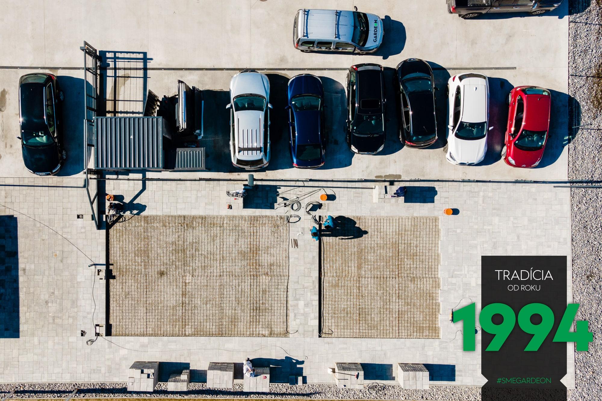Zaparkované autá v GARDEoNe