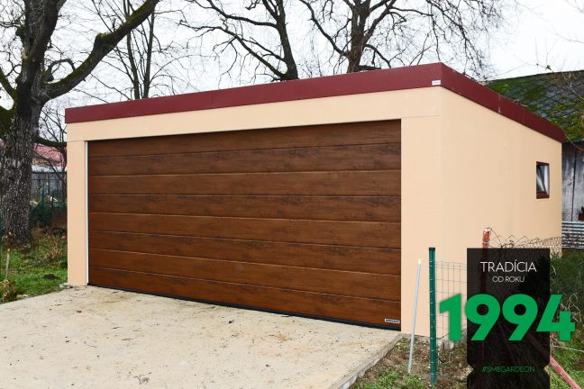 Dvojgaráž s bránou vo farbe tmavého duba