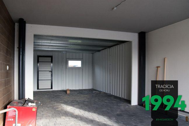 Vnútro garáže
